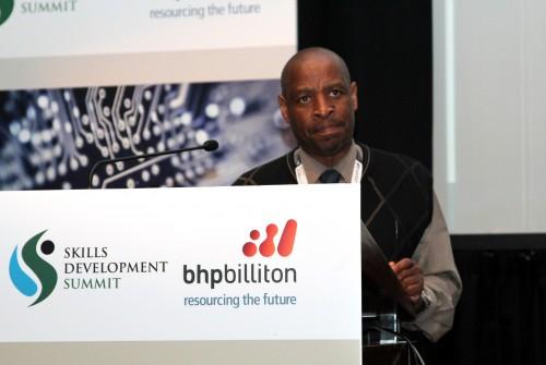 Dr Mbulaheni Nthangeni 1.JPG